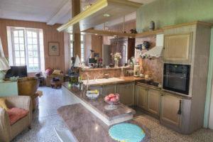 Cuisine indépendante de l'habitation à vendre