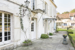 Façade de l'habitation du domaine à vendre