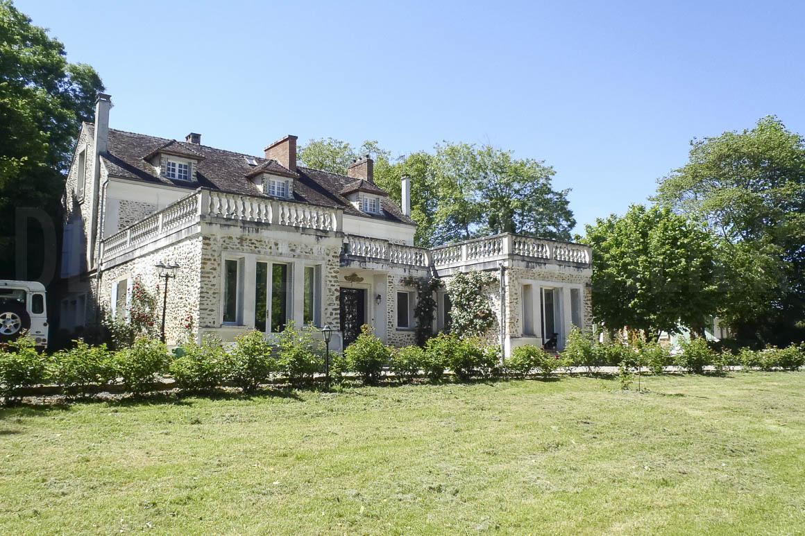 Demeure de charme en Seine-Et-Marne sur 1 HA 7 de terrain
