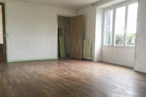 Chambre de la grande maison de l'ensemble immobilier à vendre en seine-et-marne