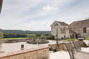 Terrasse et la vallée de la ferme à vendre