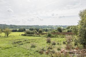 La vallée, vue depuis la ferme à vendre