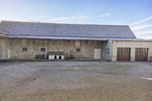 Bâtiments et garage du corps de ferme à vendre en seine-et-marne