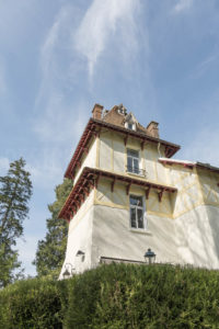 Tour de la maison principale du domaine à vendre