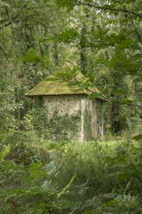 Pavillon de chasse dans les bois de la propriété équestre à vendre