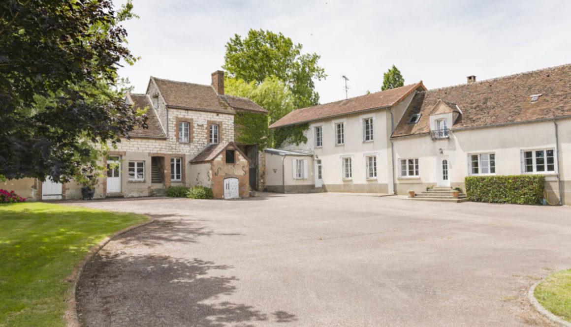Corps de ferme à vendre dans l'Yonne