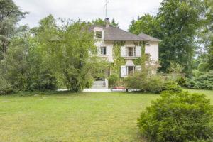 Parc et maison de la propriété de Fontainebleau à vendre