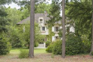 Arbre, grande maison à vendre à Fontainebleau