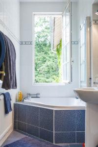 Salle de bain de la maison à vendre à Fontainebleau