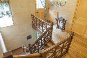 Escalier de la maison à vendre à Fontainebleau