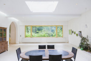 Grande pièce à vivre de la propriété à vendre à Fontainebleau