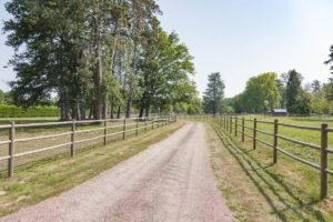 Chemin d'accès du domaine à vendre en Seine-Et-Marne