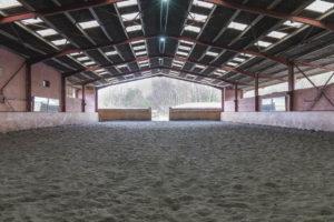 Manège chevaux équestre
