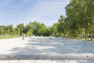 Centre équestre 1,9 hectares et habitations – 77