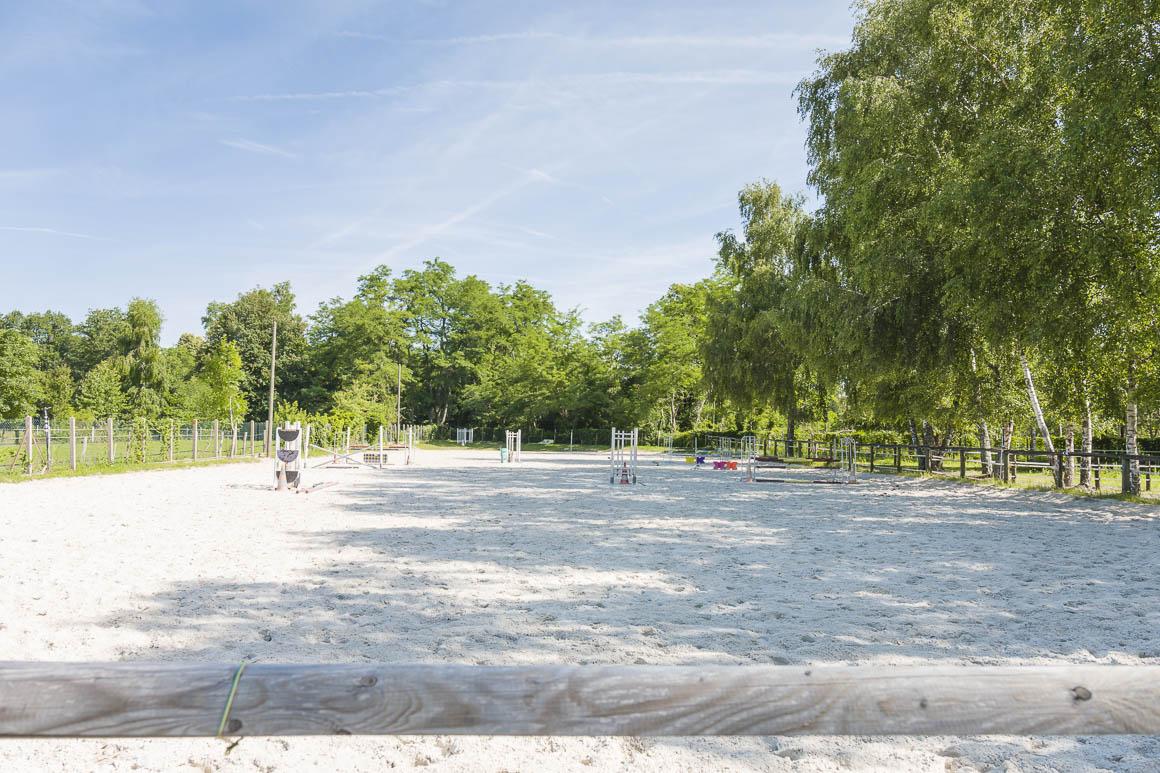 Centre équestre 1,9 hectares et habitations