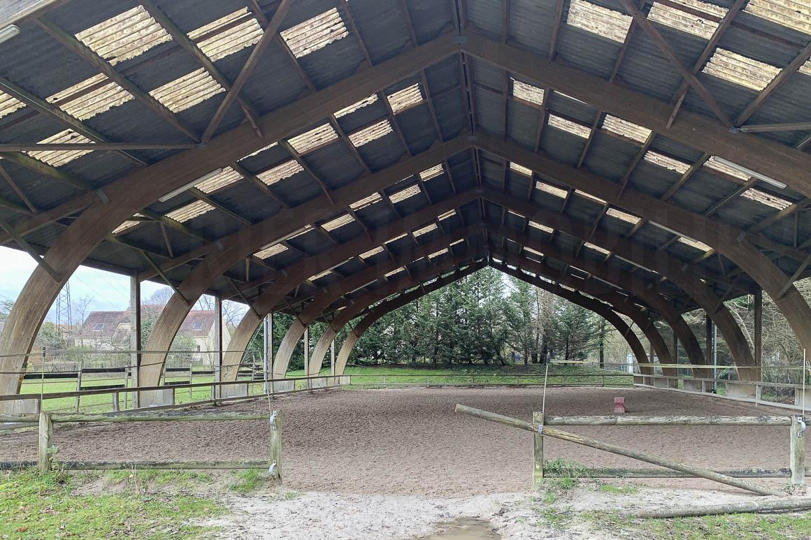 Centre équestre proche Fontainebleau 4 ha