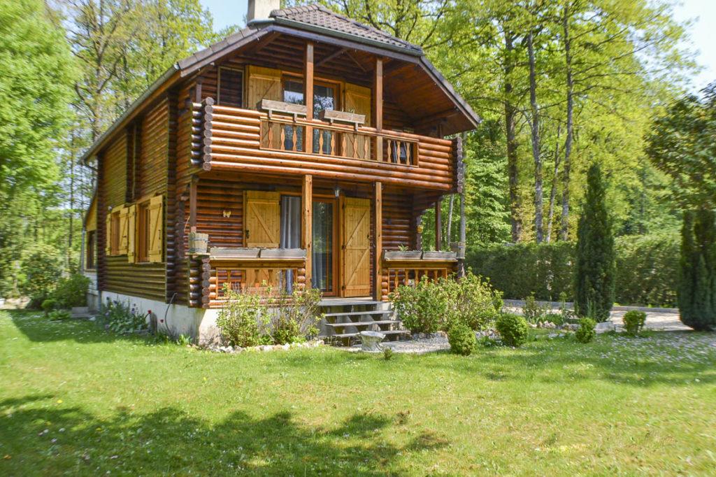 Maison fuste dans résidence privée boisée