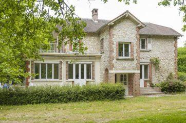 Grande propriété avec ancien pavillon de chasse