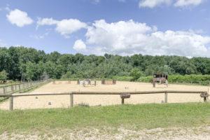 Carrière chevaux, centre équestre à vendre