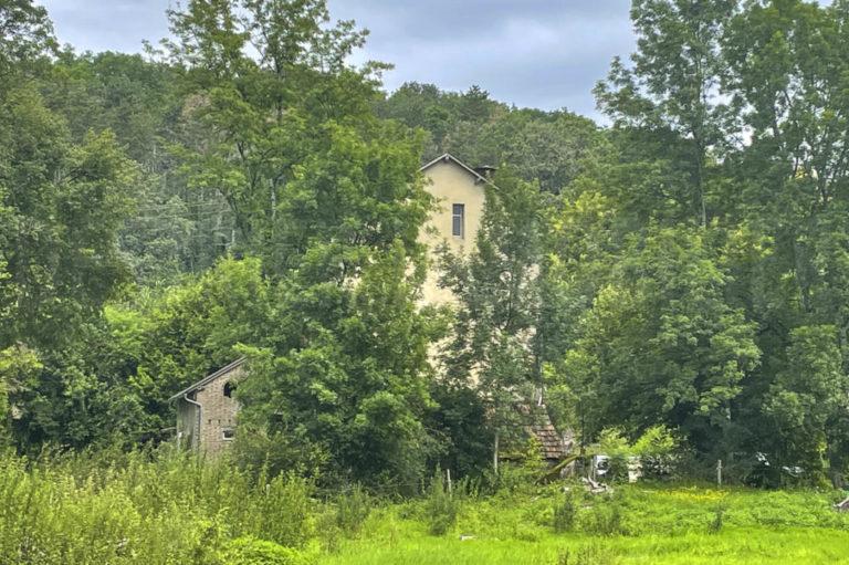 Atypique : propriété avec moulin sur 8 hectares
