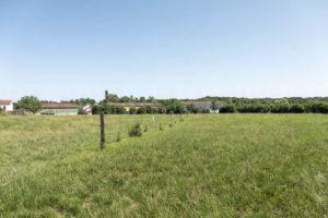 Terres et bâtiments de l'exploitation agricole à vendre